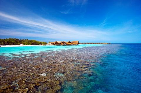 Island_huvahendhooisland_housereef